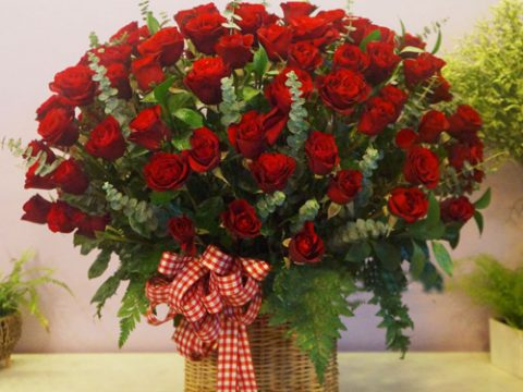 Tặng hoa cho bạn gái bao nhiêu bông là thích hợp?