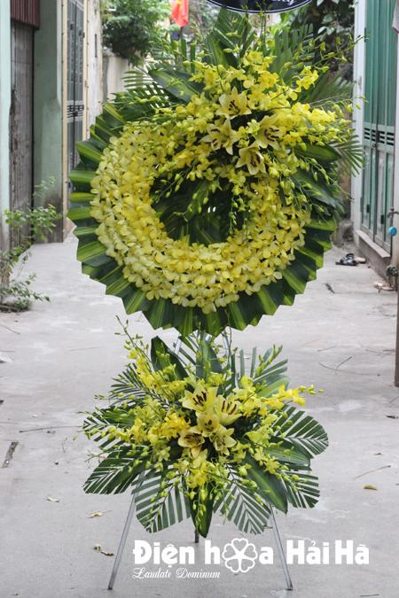 Mẫu 19: Đặt Vòng hoa viếng đám tang tại nhà tang lễ quận 5 thành phố Hồ Chí Minh, vòng hoa màu trắng. Liên hệ đặt 0919253139 (hoặc zalo).