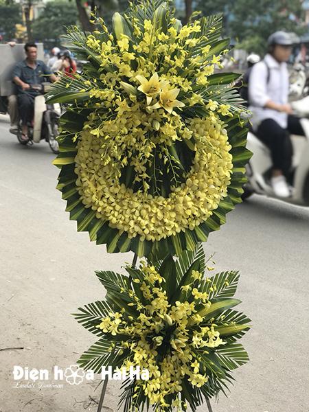 Mẫu 3: Đặt vòng hoa lan vàng tại nhà tang lễ bệnh viện quân y 175. Liên hệ đặt 0919253139 (hoặc zalo)