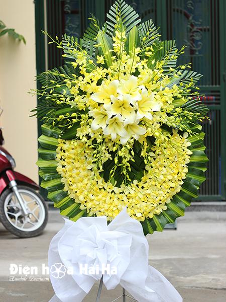 Mẫu 21: Đặt Vòng hoa viếng đám tang tại nhà tang lễ quận 5 thành phố Hồ Chí Minh, vòng hoa màu trắng. Liên hệ đặt 0919253139 (hoặc zalo).