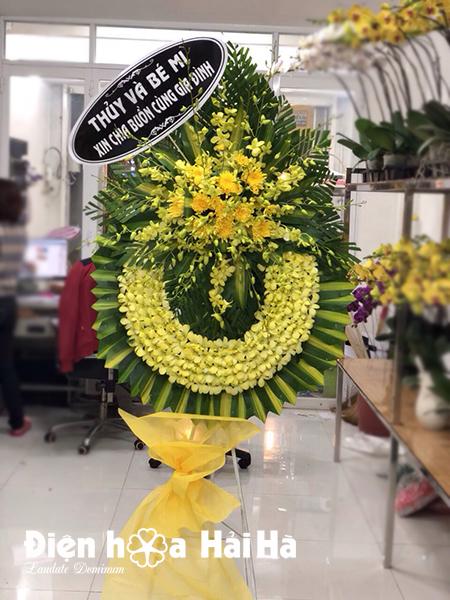 Mẫu 24: Đặt Vòng hoa viếng đám tang tại nhà tang lễ quận 5 thành phố Hồ Chí Minh, vòng hoa màu trắng. Liên hệ đặt 0919253139 (hoặc zalo).