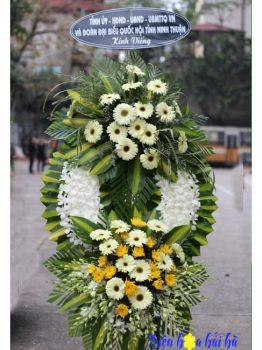 Mẫu 2.9: (#HV-033VN) Giá vòng hoa viếng đám tang lan trắng cúc trắng. Giá: 1.000.000 ₫