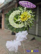 Vòng hoa đám tang đẹp dùng hoa lan màu trắng ở HCM