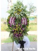 Vòng hoa đám tang đẹp 2 tầng màu trắng tím ở HCM