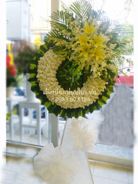 Đặt vòng hoa tang lễ lan vàng ly vàng tại Hà Nội