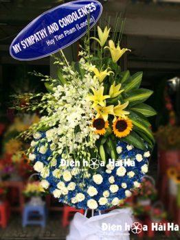 Đặt vòng hoa tang lễ tại Hà Nội màu trắng xanh