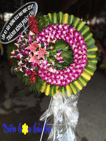 Mẫu 21: vòng hoa đám tang màu tím tại nhà tang lễ bệnh viện 175. Liên hệ đặt 0919253139 (hoặc zalo).