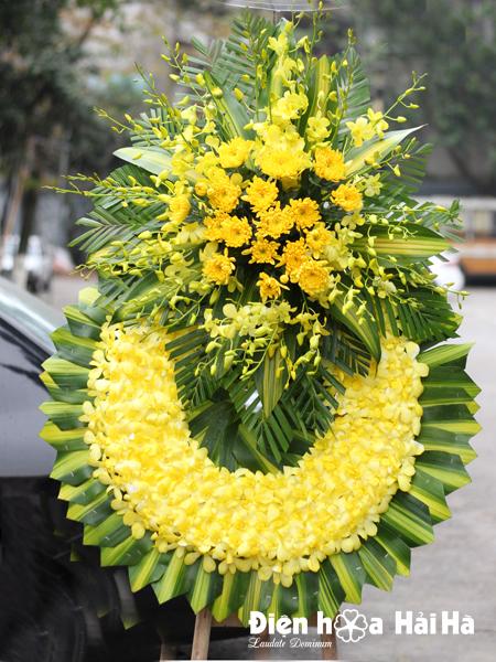 Mẫu 18: Đặt Vòng hoa viếng đám tang tại nhà tang lễ quận 5 thành phố Hồ Chí Minh, vòng hoa màu trắng. Liên hệ đặt 0919253139 (hoặc zalo).