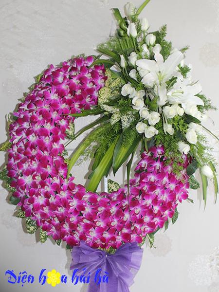 Mẫu 13: Vòng hoa viếng đám tang tại nhà tang lễ TP HCM màu tím, trắng. Liên hệ đặt 0919253139 (hoặc zalo).