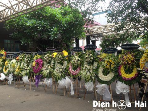Hoa tang lễ tại Hà Nội nên dùng hoa mầu gì cho hợp