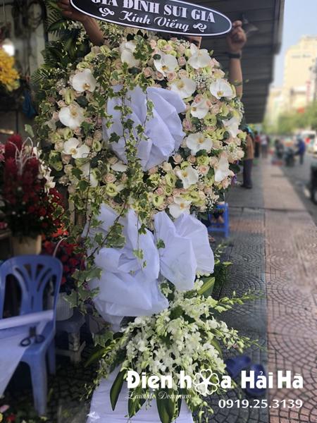 Mẫu 11: Đặt vòng hoa đám tang tại nhà tang lễ bệnh viện 175. Liên hệ đặt 0919253139 (hoặc zalo).