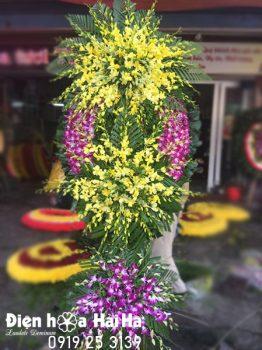 Vòng hoa tang lễ hoa lan tím vàng tại Hà Nội