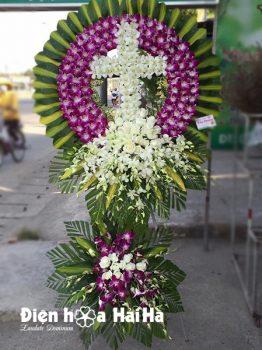 Kệ hoa đám tang người Công giáo đẹp tại HCM