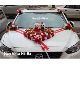 Bộ hoa giả trang trí xe cưới trái tim đỏ trắng giá rẻ mã XHG-042 đi cao tốc (1)