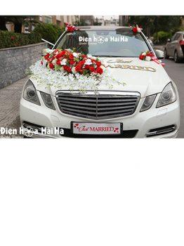 Trang trí xe cưới bằng hoa lụa dải hồng đỏ hiện đại XHG-120 sang trọng (1)