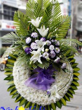 Hoa tang lễ HCM vòng cúc trắng thành kính giá rẻ miễn phí ship tận nơi