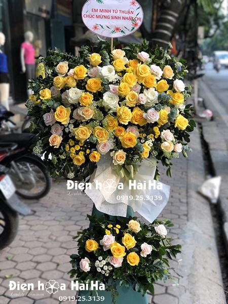 Kệ hoa khai trương giá rẻ 2 tầng hồng vàng tại Hà Nội