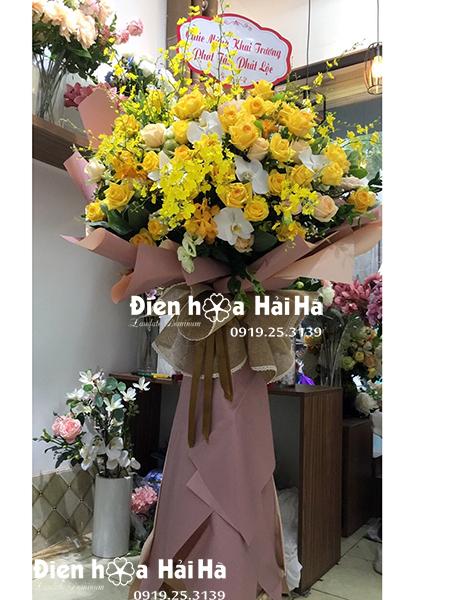 Lẵng hoa đẹp chúc mừng 1 tầng sang trọng