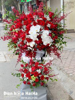 Lẵng hoa đẹp mừng khai trương tông đỏ - tiến bước toàn thắng sang trọng