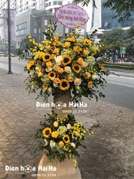 Lẵng hoa chúc mừng khai trương, kệ hoa chúc mừng màu vàng phú quý