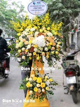Lẵng hoa chúc mừng sang màu vàng sang trọng