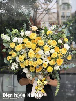 Bình hoa sinh nhật hồng vàng