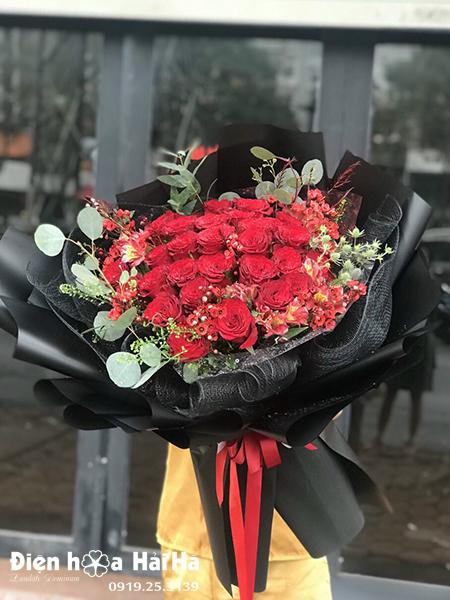 Bó hoa hồng đỏ tặng người yêu