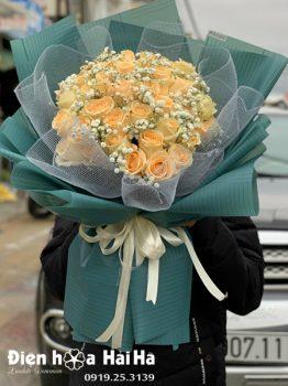 Bó hoa hồng kem vàng