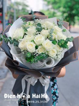 Bó hoa chúc mừng hồng trắng Tinh Khôi