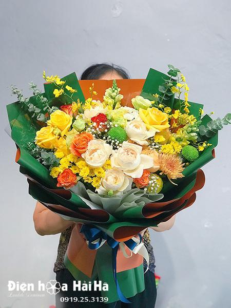 Bó hoa chúc mừng - Tháng Năm Rực Rỡ