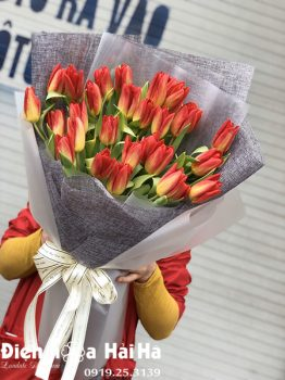Bó hoa sinh nhật hoa tulip cam