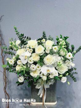 Giỏ hoa hồng trắng đẹp