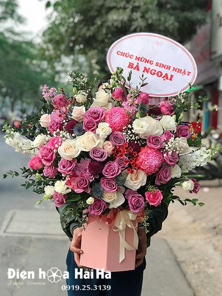 Giỏ hoa chúc mừng hồng tím Tinh Khôi