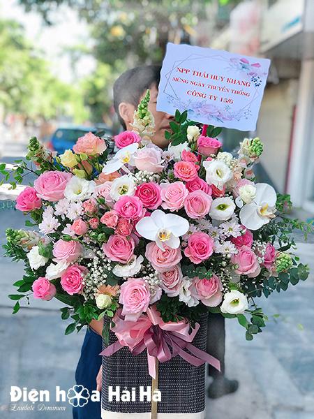 Giỏ hoa sinh nhật - Ngọt Ngào