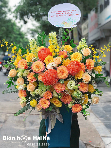 Giỏ hoa chúc mừng Sắc Nắng
