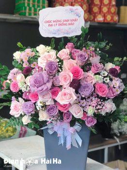 Giỏ hoa chúc mừng hồng tím