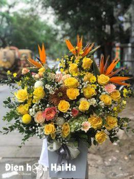 Giỏ hoa tặng sinh nhật hồng vàng