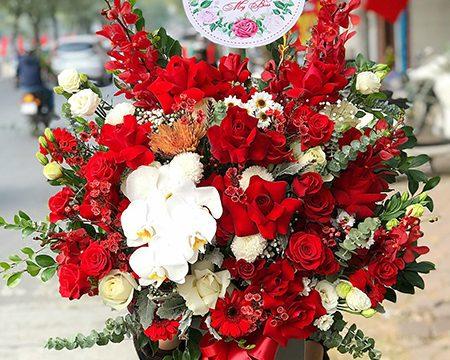 Sinh nhật sếp nữ tặng hoa gì thanh lịch, quý phái?