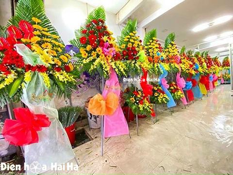 Khai trương nên tặng hoa màu gì nổi bật?