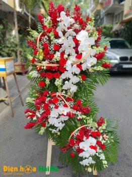 Lẵng hoa chúc mừng 3 tầng sang chảnh tại Hà Nội
