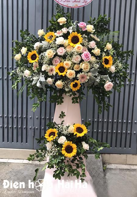 Lẵng hoa khai trương giá rẻ hoa Hướng Dương
