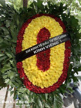 Vòng hoa tang lễ truyền thống hoa tươi